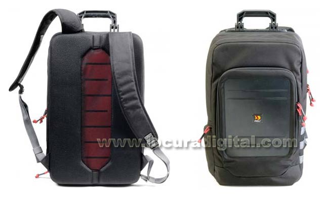 U105 backpack with multiple compartments.