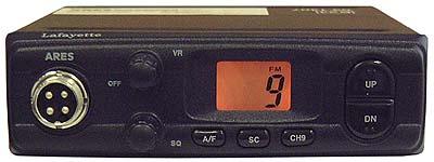 Lafayette Ares Black Kit C. 27 Mhz CB transceiver. AM / FM 4 watts + SLIM 145 ANTENNA + MULTI-ARTICULATED BASE SP100M