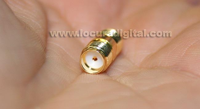 CON3911 REVERSE SMA adapter to standard female SMA