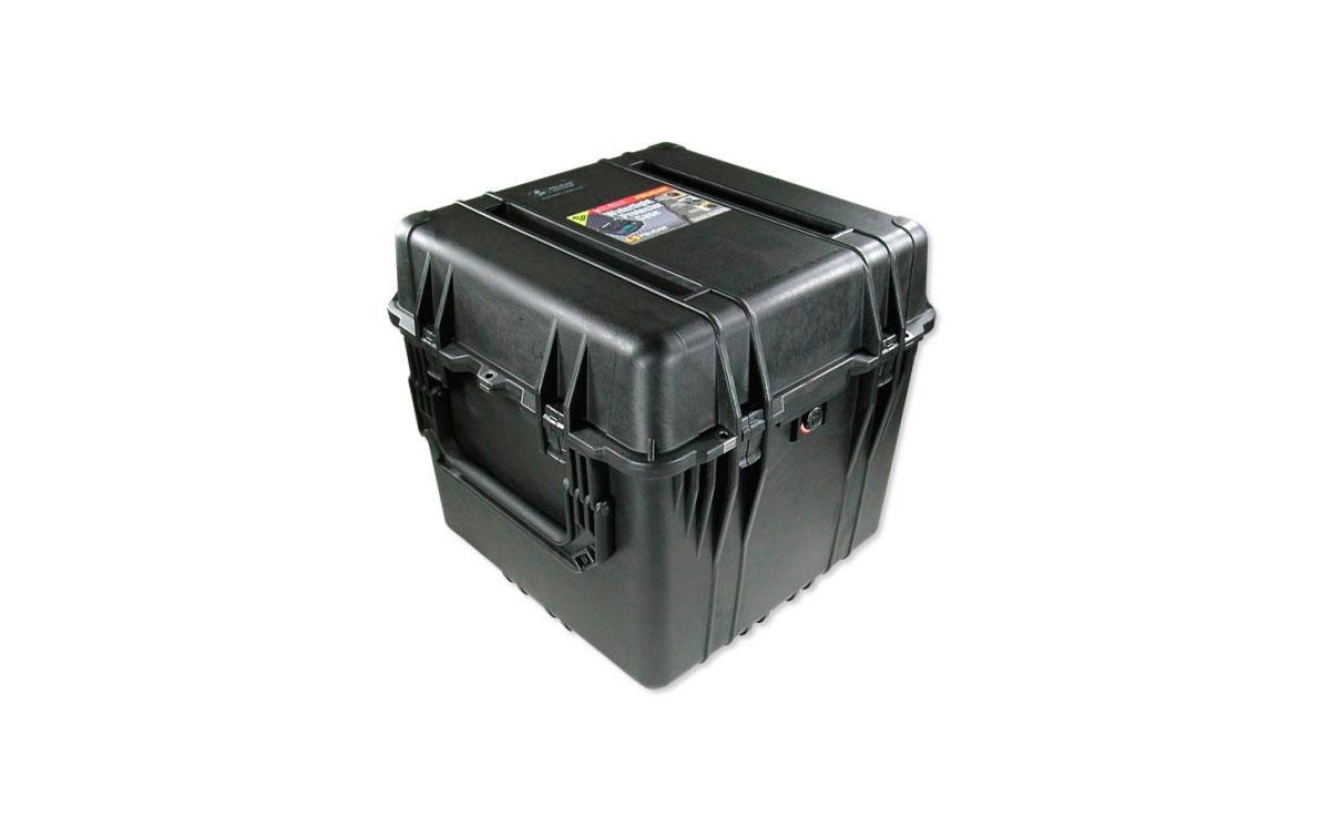 0370-004-110 Maleta de protección Negra, con divisores.