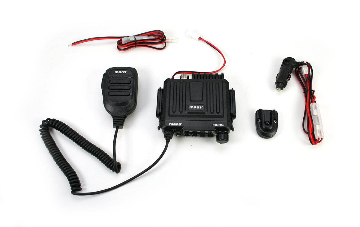 nuevo maas kcb-2000 viene con un micrófono vox controlado por voz, que se puede ajustar en varios niveles de sensibilidad y retardo de respuesta. emisora cb multinorma en una robusta carcasa mini 120 x 110 x 27 mm con micrófono vox manos libres.