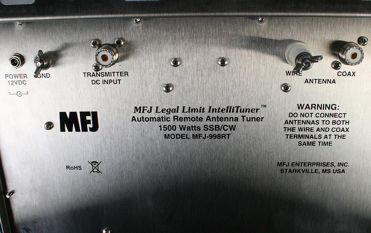 MFJ998RT MFJ acoplador automatico remoto ideal para cualquier antena de hilo o no balanceada, potencia maxima1.5KW, cobertura1.8-30 MHZ