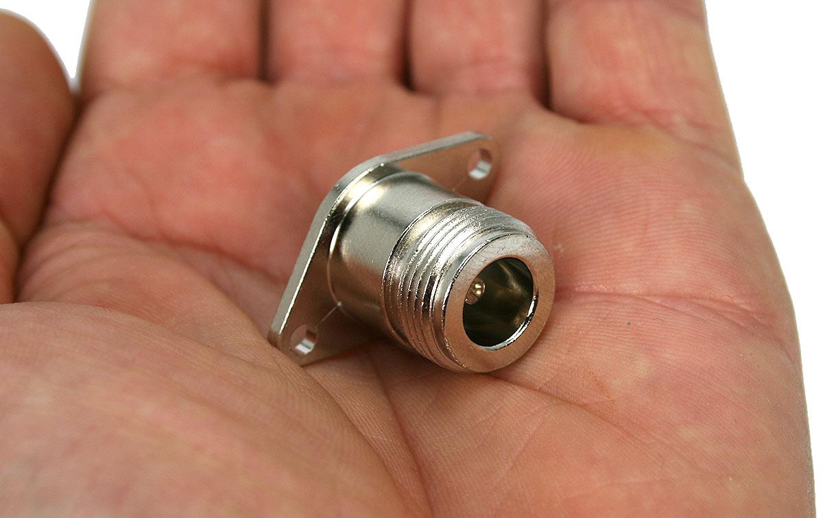 P1090547 YAESU conector original N hembra FT-7900-FT-857-FT-897