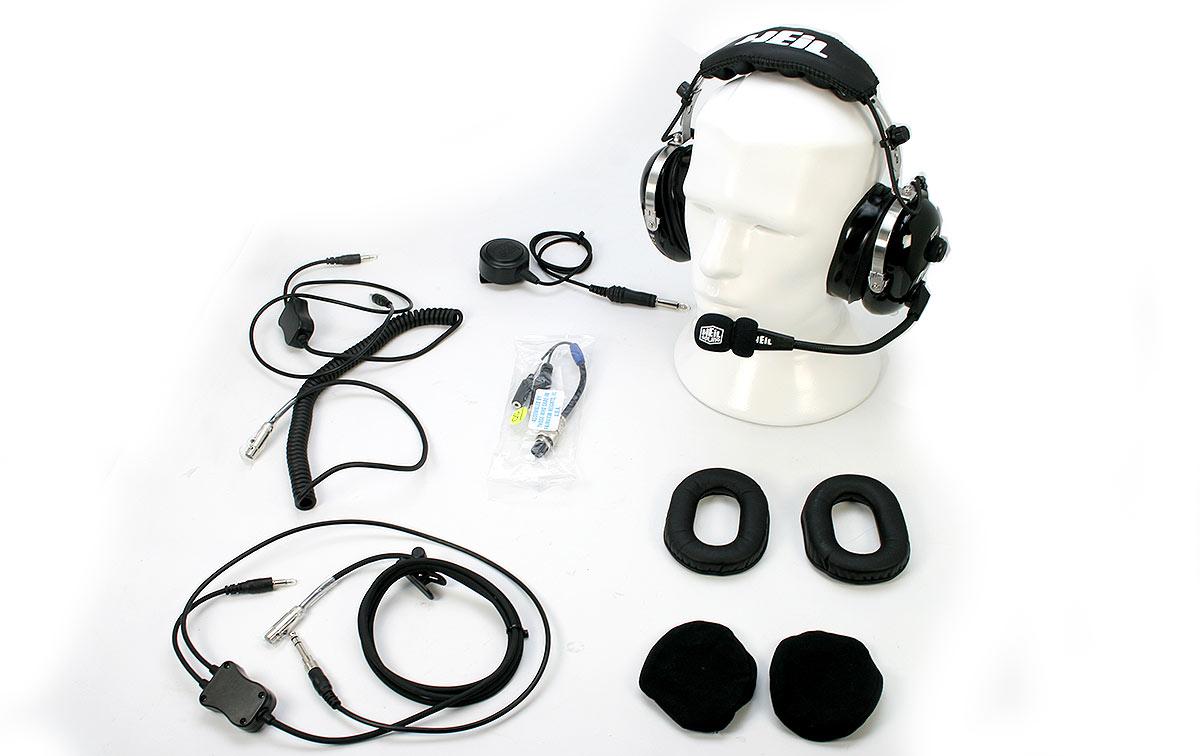 PROSET 7 IC HEIL Casco microfono-altavoces para emisoras ICOM. El Heil Sound Pro 7 es un auricular de estilo aeronáutico diseñado para uso de radioaficionados en entornos de mucho ruido. Las almohadillas para los oídos de gel de espuma especialmente diseñadas proporcionan 26 dB de reducción de ruido exterior y proporcionan una comodidad excepcional. Un verdadero auricular de doble canal, estéreo, la serie Pro 7 cuenta con un control de balance de audio que permite al usuario ajustar el nivel del auricular izquierdo para que coincida con el derecho. Un interruptor único de inversión de fase ayuda enormemente al oyente a señales débiles. La última versión del Pro 7 cuenta con un conector para monitor. La última versión del Pro 7 presenta un conector para monitor que permite que un segundo operador conecte los auriculares y monitoree el audio.