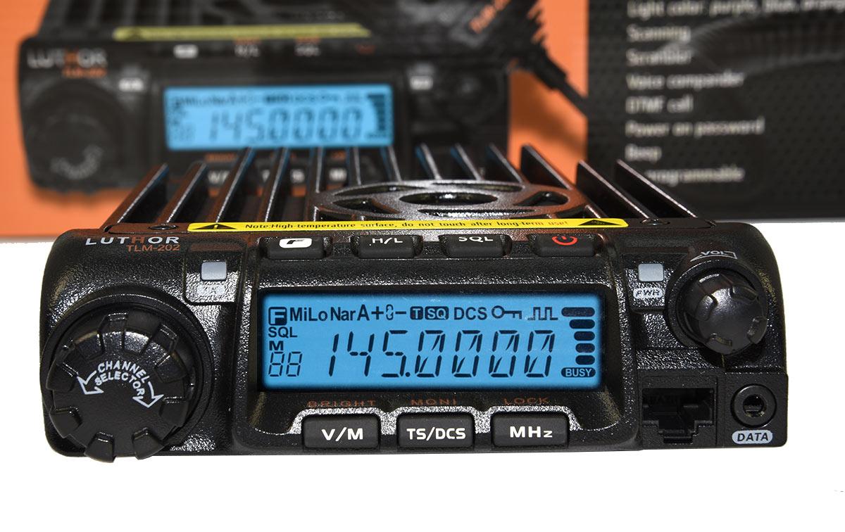 emisora movil de vhf con 200 memorias, subtonos ctcss/ dsc etc.