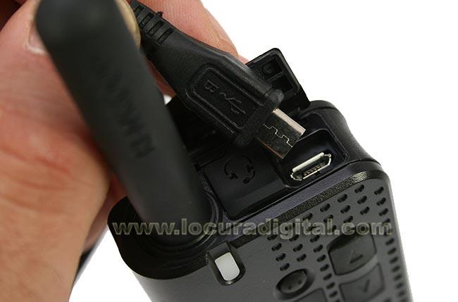 USB-23 Cable de programación USB a MICRO-USB B, Compatible para KENWOOD PKT-23. Longitud del cable: 1,80 mts. Además de datos, este cable puede servir para cargar el walkie desde un ordenador por el propio conector del aparato. NO INCLUYE SOFTWARE