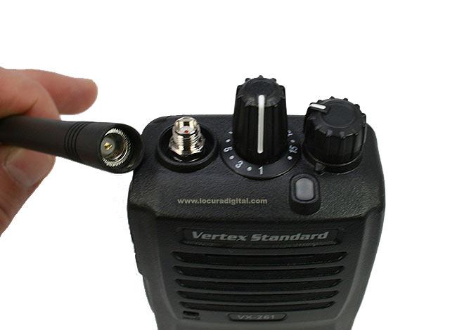 VERTEX STANDARD VX-261 VHF WALKIE PROFESIONAL 136- 174 MHz ! REGALO DE PINGANILLO PIN-29Y2 !