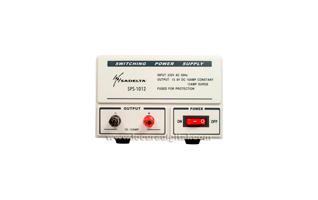 SADELTA SPS-1012 fuente de Alimentaci�n conmutada 13,8 volt. 10 a 12 amperios