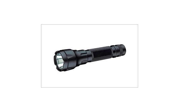 BARRISTER MAX-7 LINTERNA TACTICAL RECARGABLE Longitud 17,9 cm LED CREE  LUMEN 200