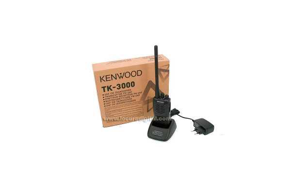TK3000E KENWOOD Walkie profesional VHF  16 canales programable.
