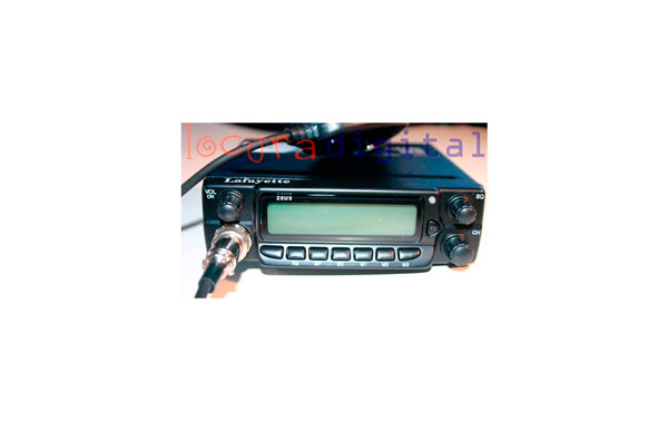 ZEUSBLACK KIT A  CB 27 Mhz  ZEUS BLACK + ANTENNA SUPPORT BRAVO 150 + SP-100